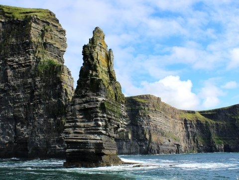 Sea Stack at The Cliffs of Moher | ClareCoCo