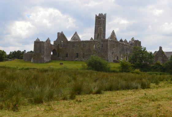Toberinneenboy, Tobar Iníon Bhaoith. Locally known as Saint Finghin's, Quin