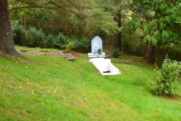 Our Lady's Well, Kilmaley   James Feeney