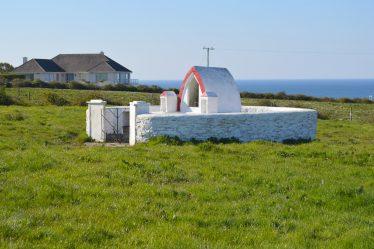 Tobercruhnorindowan, Tobar Chruthnóir an Domhain, The Well of the Creator of the World | James Feeney